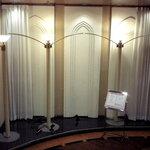 ユーフォニー - お店の入口です、多分ここは結婚式の記念写真のスペースかと思います