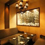 炉バルLO - 2階の個室はプライベートな夜に最適。 (最大6名様まで)