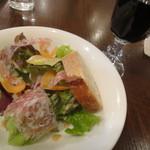 Fam - サラダ+赤ワイン 1612