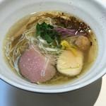鶏そば 朱雀 - 料理写真:鶏そば 塩