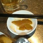 四季ボウ坊 - 長い箸と厚切り搾菜