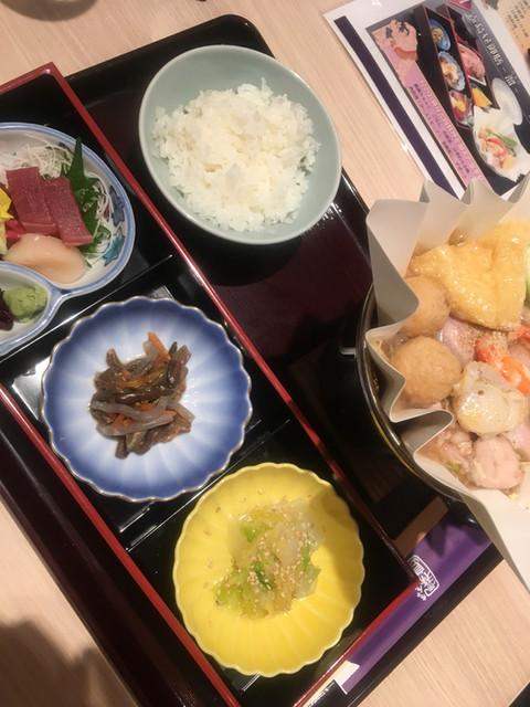 ちゃんこ霧島 両国江戸NOREN店 - 霧島昼御膳 東 (1300円)