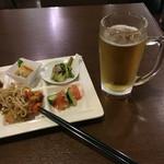 60189333 - 前菜と生ビール ビールはハートランド