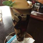 カフェロッサ - ドリンク写真:コーヒーゼリーフロート