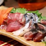 個室 海鮮 居酒屋 東北商店 - 旬魚のお刺身五種盛り