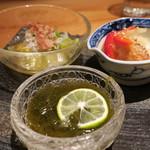 鈴しろ - 【再訪2】沖縄モズク、春キャベツと釜揚げシラスのお浸し、鰆の南蛮漬け