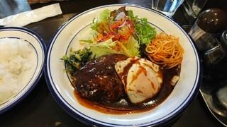 洋食 ひなた - メイン:デミグラスハンバーグ定食