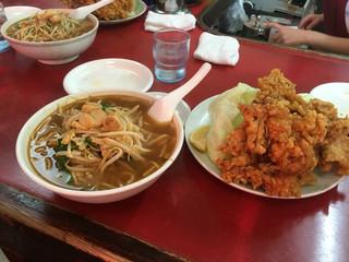 新京 - ベトコンラーメン醤油と鶏の唐揚げ