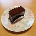 60198338 -                        チョコレートケーキ(480円税込)