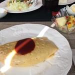 Cafe OKINA - 昔ながらのオムライス(サラダ付き)