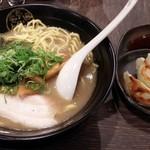 節骨麺たいぞう - 煮干塩らーめん+餃子3ケ