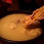 60214333 - 濃い鳥スープの水炊き