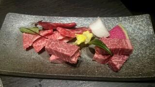 米沢牛焼肉 仔虎 仙台駅前店 - 米沢牛特選カルビ、米沢牛特選タン塩