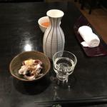 味ごよみ吉野 - ドリンク写真:イカゲソ生姜醤油300円と高清水(大)640円