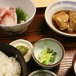 さわら - 刺身盛と銀ムツ煮セット 1,100円(税込)