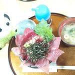 60222294 - 生マグロ丼3倍盛り1950円???