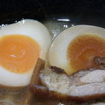 麺処 鳴神 - 味玉