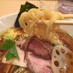 銀座 篝 - 麺は中太ストレート