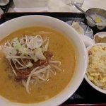 6023436 - 坦々麺セット