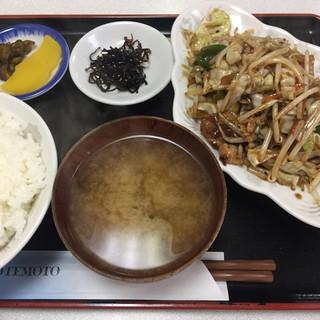 中華 三楽 - 料理写真:本日のサービス。肉野菜炒め定食¥770