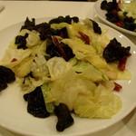 香膳 - 料理写真:キャベツとキクラゲ炒め