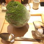 カウンターお野菜天ぷら mego - デザートの、かき氷抹茶と小豆白玉