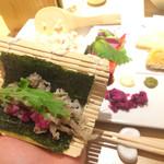 カウンターお野菜天ぷら mego - 巻きに入ります
