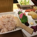 カウンターお野菜天ぷら mego - 酢飯アップ