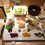 カウンターお野菜天ぷら mego - これで、ひと揃