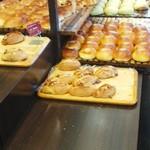 パンのトラ - 料理写真:店内