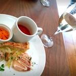 60233796 - ランチ 前菜とワイン