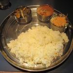 チャミヤラキッチン - ('16/12)Bセットで野菜のカレーに日替りカレー(ホウレンソウ+ジャガイモ)ナンなしライスのみの渋い注文