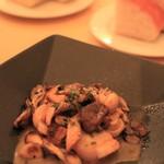 ジラソウ - 帆立とキノコの温かいサラダ ソテーです。ほとんどメイン