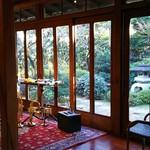 縁側カフェ - 2016年12月 コンサートの時 ふすまを外してスペースを作っています