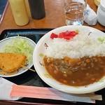 キッチンハウス - 500円ランチ、牛すじカレーと串カツ