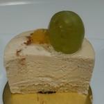 60236223 - クリーミーな中にも洋梨のペーストが混ぜ込まれフルーティーな味わい