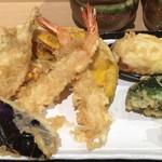 てんぷら食堂 ひさご - ひさご天ぷら定食の天ぷら