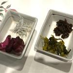 彩花亭 - 食べ放題の漬物