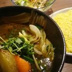 札幌ドミニカ - オリジナルスープ チキンカリー 普通ライス 1,000円