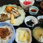 赤津 - 赤津定食(日替わり)