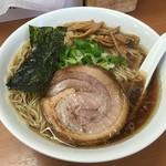 ななまる - 中華そば(750→700円)+大盛り(50円)