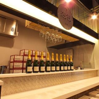 オーナーが自ら買い付けを行う本格シャンパンをお手ごろ価格で!
