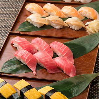 お寿司も食べ放題!!