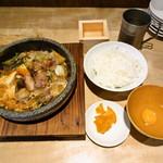 ジビエノ小屋 - ランチの猪鍋