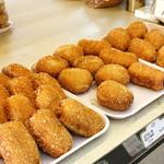 ヤママン - 揚げパンもカレーパン、ピロシキ、ソーセージ、フランク