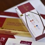 60272704 - クリオーロ種のチョコレート6種、産地別のチョコレート6種