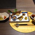 びわこ緑水亭 - 食前酒(レモン酒) 先付(白子豆腐、雲子、白髪葱、赤おろし、酢橘)                             前菜 季節の七種盛り