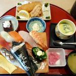 本まる寿司 - にぎり定食994円