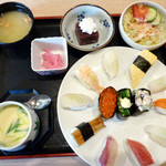 本まる寿司 - 花にぎり1,048円