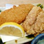 本まる寿司 - 揚げ物(白身魚フライ&鶏の唐揚げ)